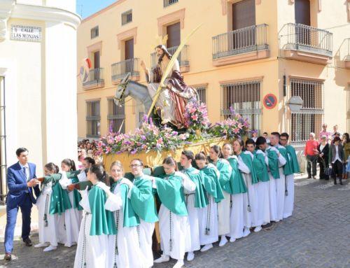 'El Burrito' abre los desfiles procesionales de Semana Santa en Campanario