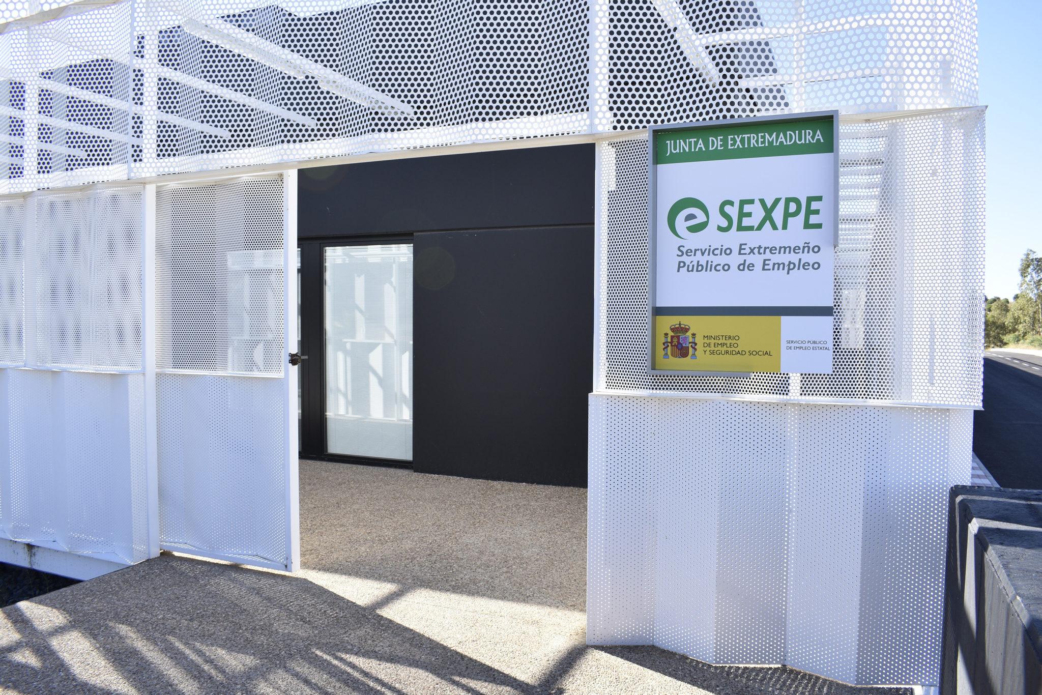 Las oficinas del sexpe ya est n a pleno rendimiento en el for Inem horario oficinas