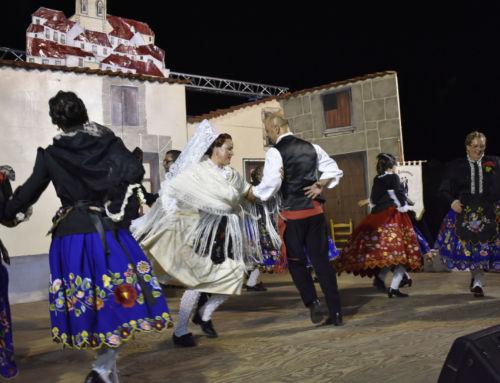 La representación teatral de la boda extremeña lleno el recinto ferial