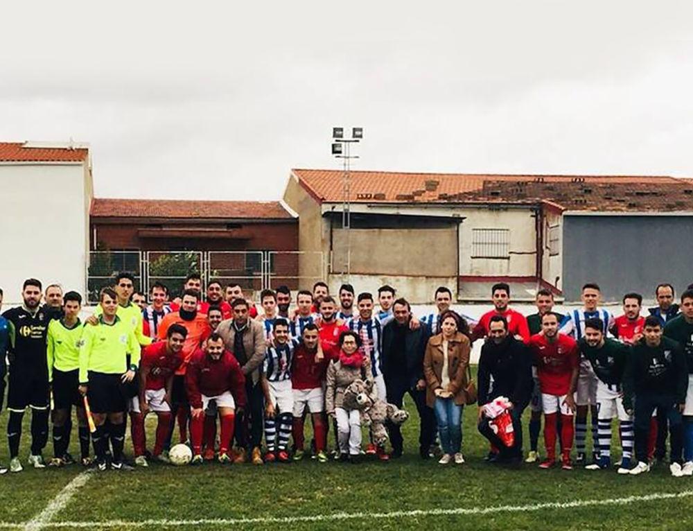 Éxito del partido de fútbol solidario a beneficio de Zoe en La Coronada