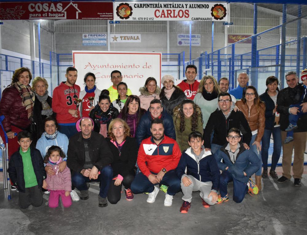 Recaudan más de 600 euros en el torneo de pádel contra el cáncer