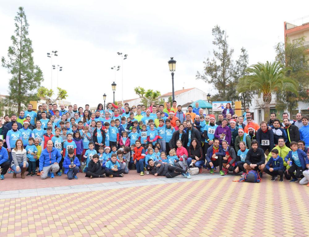 Casi 300 personas disfrutan corriendo en la San Silvestre Campanaria aportando 600€ contra el cáncer