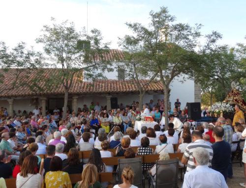 Cientos de emigrantes de Campanario se reencuentran con su Virgen de Piedraescrita