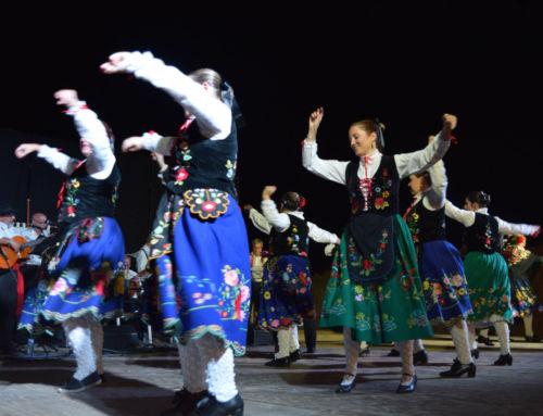 Noche de folclore y sevillanas en la Feria de Agosto
