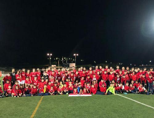 Multitudinaria presentación de la Escuela Municipal de Fútbol y de los equipos del CF Campanario