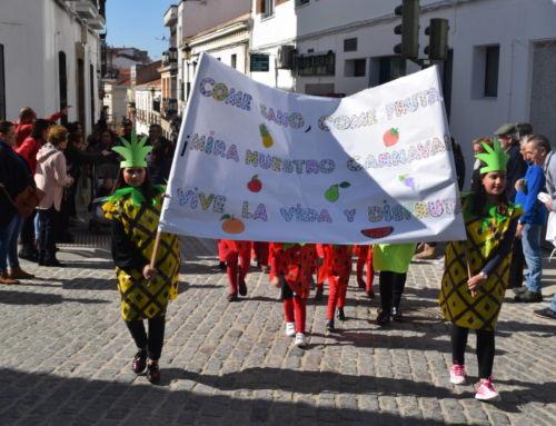 Cientos de niños participan en el desfile infantil del Carnaval