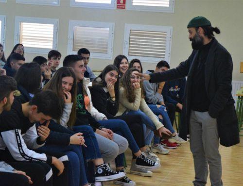 Cucko visita a los alumnos del IES Bartolomé J. Gallardo