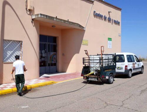 Los trabajos de desinfección de la Diputación de Badajoz en Campanario siguen en marcha