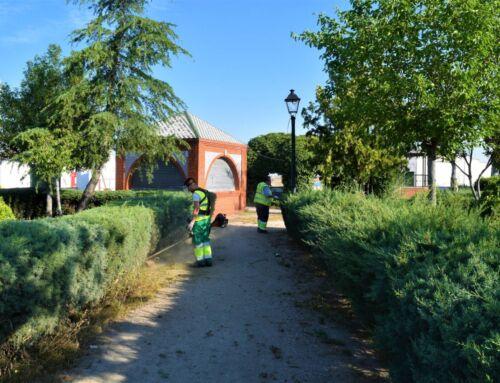 Los empleados municipales reanudan su trabajo en La Laguna y otras zonas verdes tras desinfectar las calles