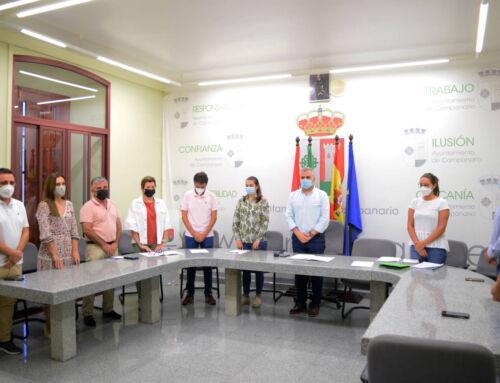 El Pleno guarda un minuto de silencio en memoria de D. Juan Pérez Díaz